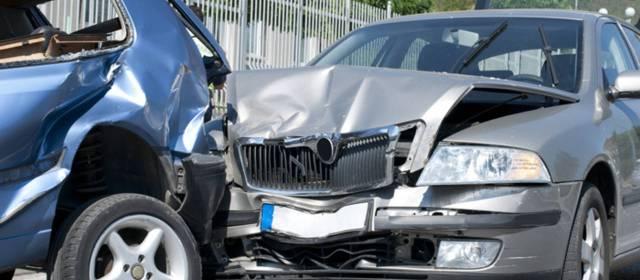 Consulta Gratuita en Español Cercas de Mí con Abogados de Accidentes y Choques de Autos y Carros en El Monte California