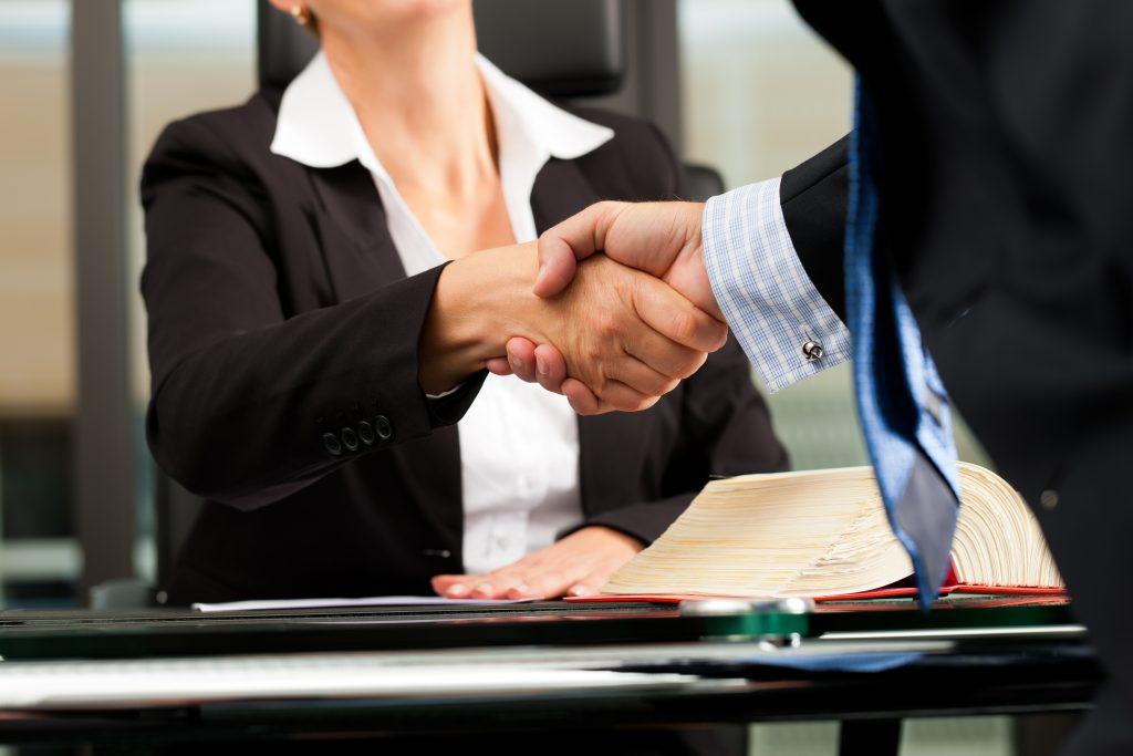 La Mejor Firma Legal de Abogados en Español de Acuerdos en Casos de Compensación Laboral, Mayor Compensación de Pago Adelantado en El Monte California